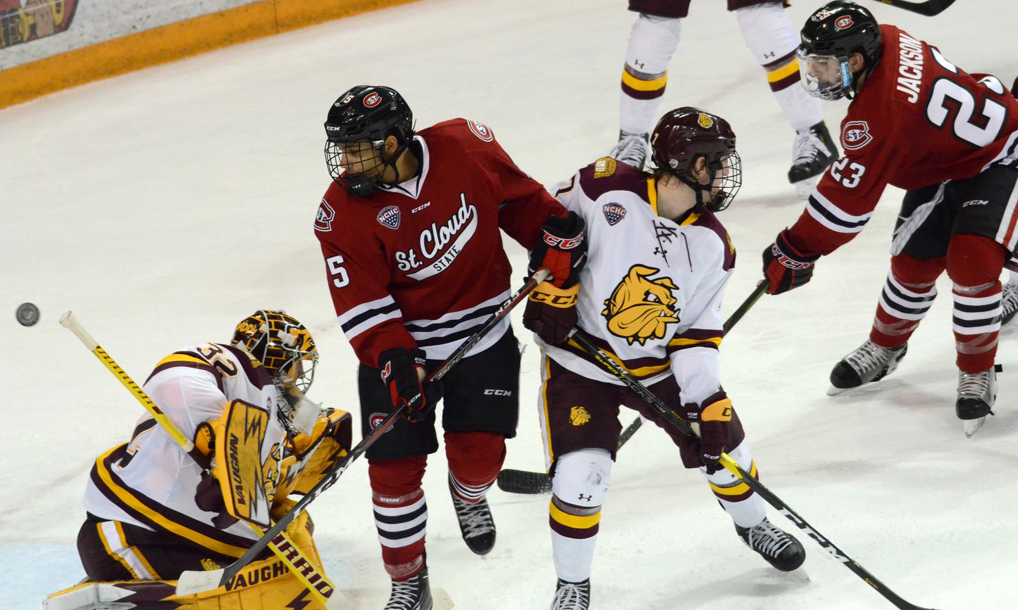 1 St  Cloud State drops close 3-1 match at #5 UMD on Jan  11